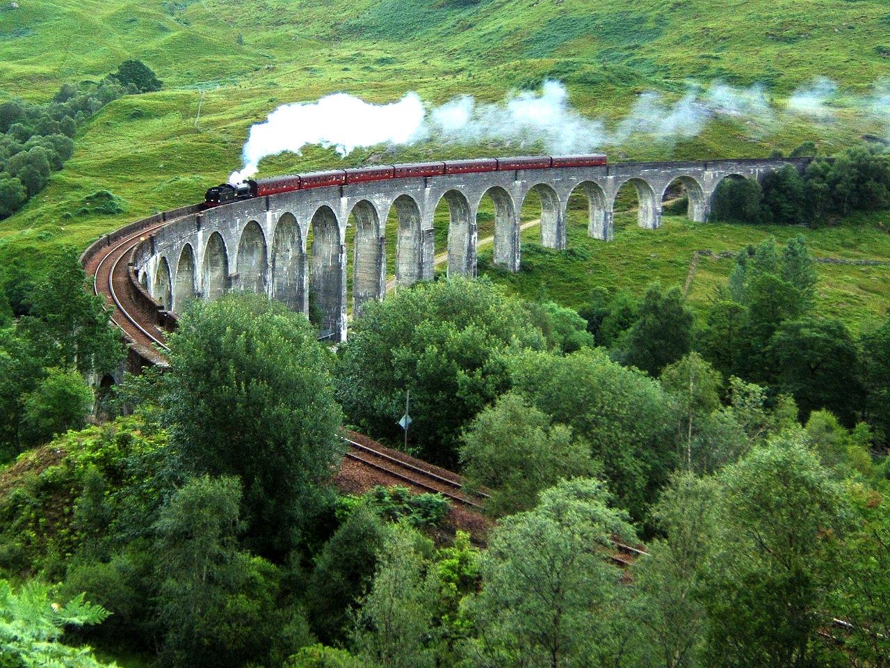 1280px-Glenfinnan_Viaduct